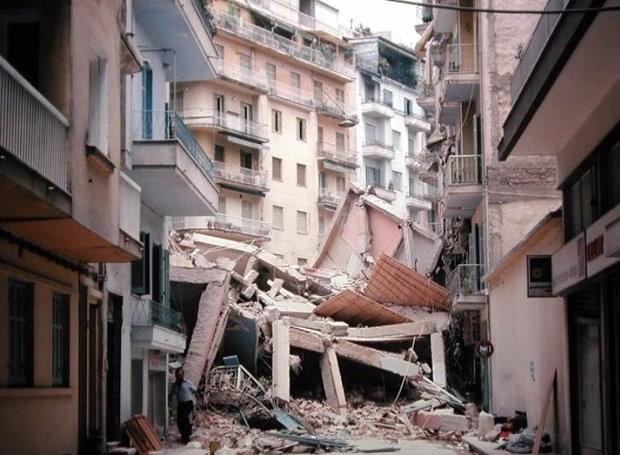 thessaloniki-seismos-1978.jpg