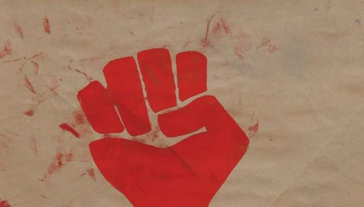 Στη Θεσσαλονίκη ο δημιουργός της διάσημης αφίσας «Γροθιά» Harvey Hacker