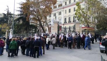 Βγήκαν στους δρόμους της Θεσσαλονίκης οι συνταξιούχοι