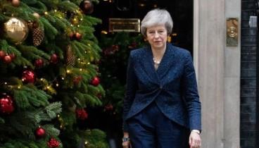 Μέι: Εάν ανατραπώ, το Brexit κινδυνεύει