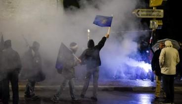 Με 49 προσαγωγές και μία σύλληψη ολοκληρώθηκαν οι διαδηλώσεις στη Θεσσαλονίκη (φωτογραφίες)