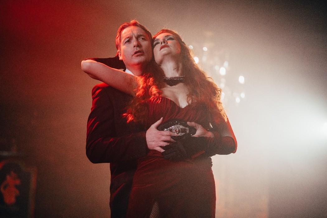 Operatical: Όταν οι ήχοι της όπερας συναντούν τις σύγχρονες μελωδίες  (βίντεο)