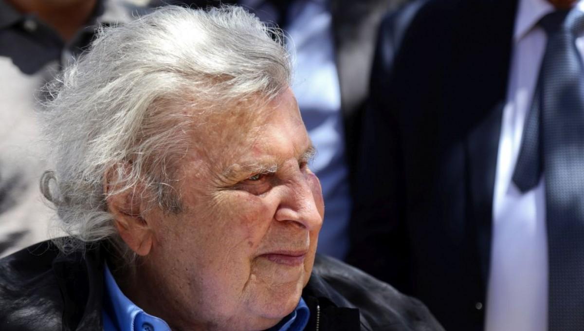 Μ. Θεοδωράκης: Οι βουλευτές να μη ψηφίσουν το έγκλημα αυτό σε βάρος της Ελλάδας