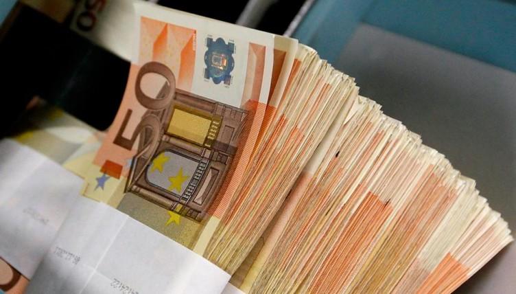 Στα ταμεία του κράτους μπήκαν σήμερα 813 εκατομμύρια ευρώ