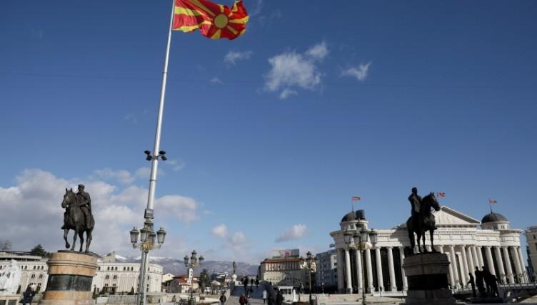 «Παρέλαση» ευρωπαίων αξιωματούχων στα Σκόπια