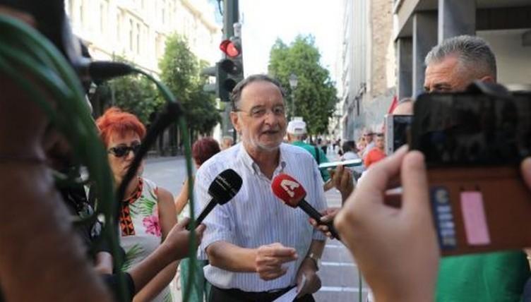 Με κατηγορίες για οπλοφορία και οπλοχρησία κλήθηκε για απολογία ο Λαφαζάνης