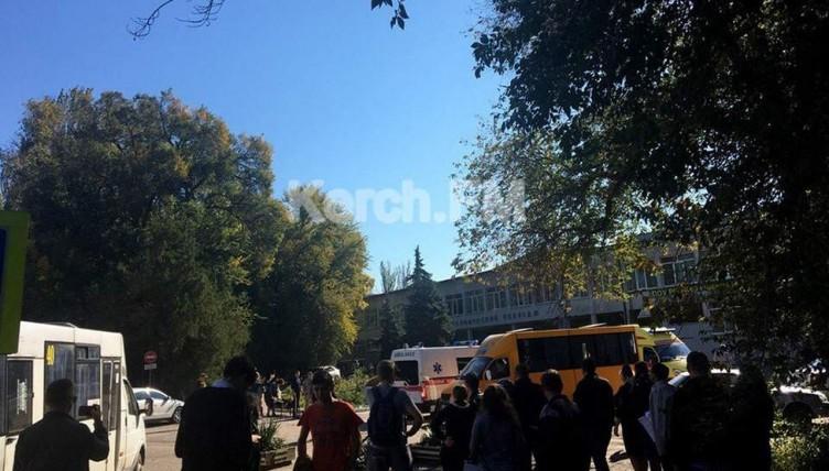 Χάος σε κολέγιο της Κριμαίας -18χρονος σκότωσε 17 ανθρώπους και αυτοπυροβολήθηκε