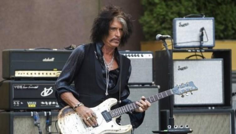 Στο νοσοκομείο ο κιθαρίστας των Aerosmith Τζόι Πέρι