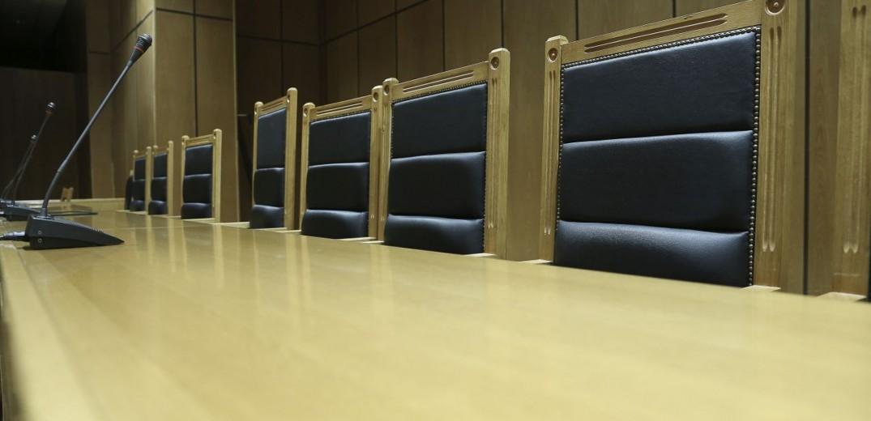Ελεύθεροι μετά την απολογία τους οι τραπεζικοί που κατηγορούνται για κλοπές-μαμούθ από θυρίδες