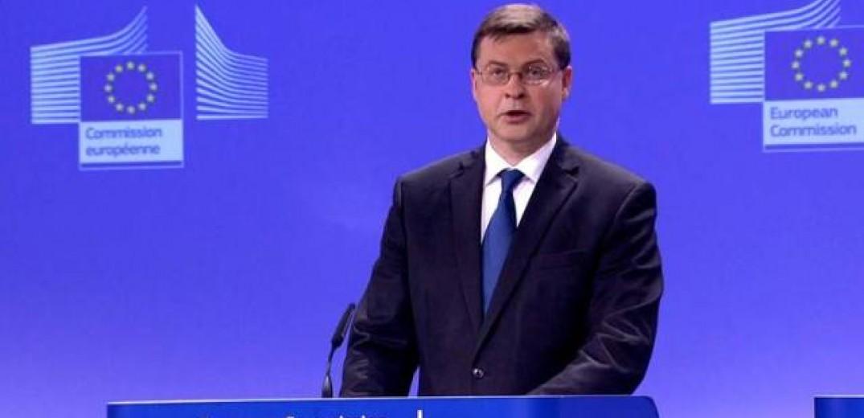 B. Nτομπρόβσκις: Ο ελληνικός προϋπολογισμός για το 2019 είναι συμβατός με το σύμφωνο σταθερότητας