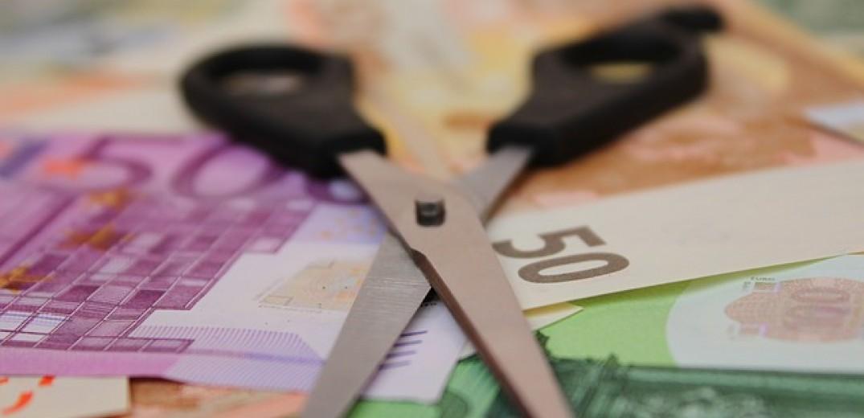 Πόρους ύψους 2 δισ. ευρώ χρωστά το κράτος στις αιρετές περιφέρειες