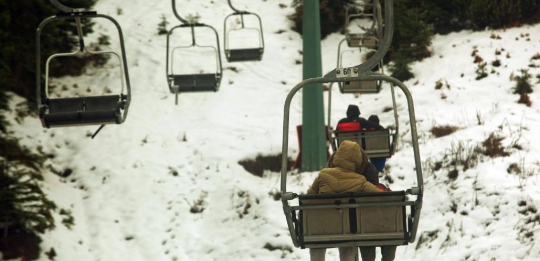 Ανοιχτά τα χιονοδρομικά κέντρα και περιμένουν τους λάτρεις των χειμερινών σπορ