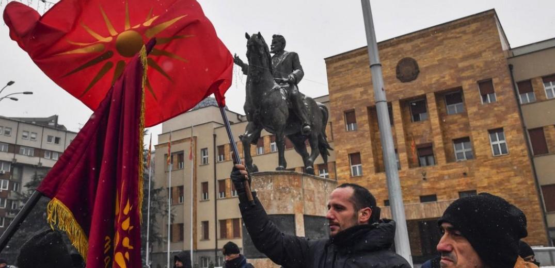 ΠΓΔΜ: Εντείνονται οι ζυμώσεις για την εξεύρεση της πλειοψηφίας