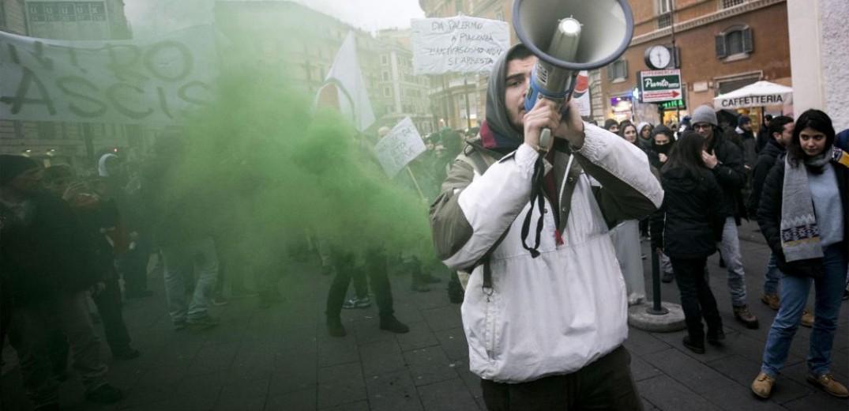 Στους δρόμους τα ιταλικά συνδικάτα