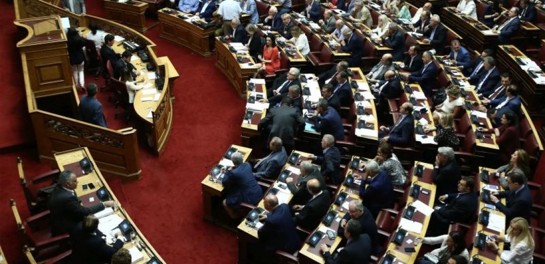 Κατατέθηκε στη Βουλή η τροπολογία για τα αναδρομικά