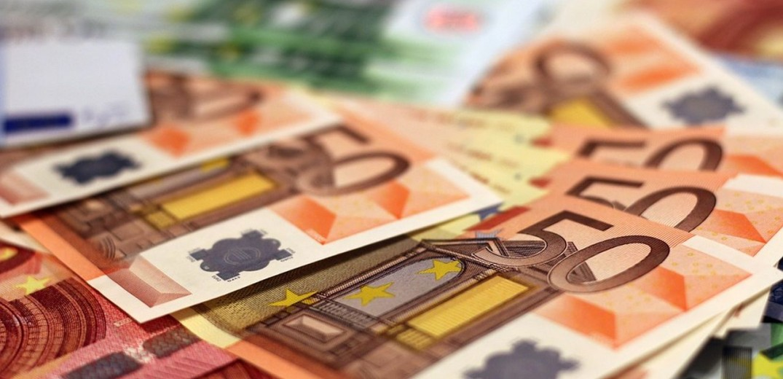 Ευνοϊκή φορολόγηση των αναδρομικών για τα ειδικά μισθολόγια