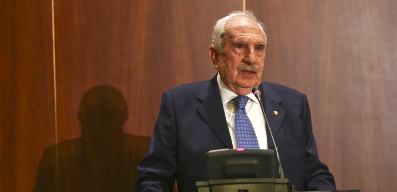 Η συμφωνία των Πρεσπών διώχνει τον Μέρτζο από την Εταιρεία Μακεδονικών Σπουδών