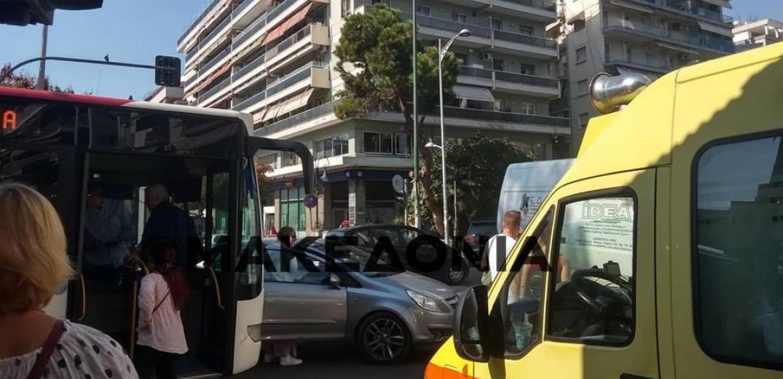 Τρεις τραυματίες μέσα σε λεωφορείο του ΟΑΣΘ στη Θεσσαλονίκη