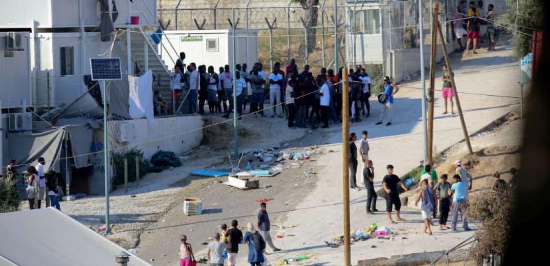 Υπεράριθμοι παραμένουν οι πρόσφυγες σε Κω, Λέσβο, Σάμο, Χίο και Σέρρες