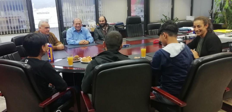 Συνάντηση συγγνώμης της διοίκησης του ΟΑΣΘ με τα τρία προσφυγόπουλα