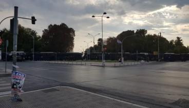 Μόνο κλούβες της αστυνομίας «κυκλοφορούν» στο κέντρο της Θεσσαλονίκης (φωτ.)