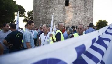 Συγκέντρωση διαμαρτυρίας ενστόλων στον Λευκό Πύργο