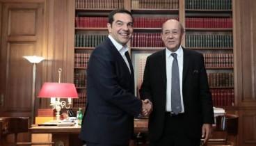 Ολοκληρώθηκε η συνάντηση του πρωθυπουργού με τον γάλλο υπουργό Εξωτερικών