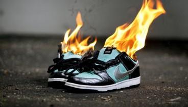Ο Κεπέρνικ βάζει (κυριολεκτικά) φωτιές στη Nike