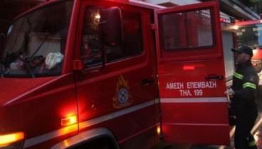 Φωτιά σε φορτηγό εν κινήσει στο Δερβένι