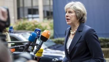 Μέι κατά Μπλερ: Υπονομεύει τις συνομιλίες για το Brexit ζητώντας νέο δημοψήφισμα
