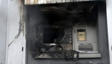 Φωτιά σε δύο ΑΤΜ στη Θεσσαλονίκη