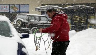 Με αλυσίδες η κυκλοφορία σε σημεία της κεντρικής Μακεδονίας