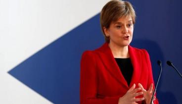 Πρωθυπουργός της Σκοτίας: Κατηγορεί την Τερέζα Μέι για «αξιολύπητη δειλία»