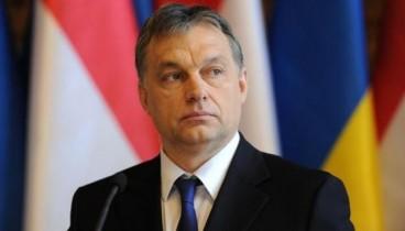 Διαδηλωτές-Ουγγαρία: «Καλά Χριστούγεννα κ. Πρωθυπουργέ»
