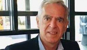 Κουβέρτες και τρόφιμα μοίρασε στους άστεγους ο  Χάρης Αηδονόπουλος