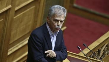 Δανέλλης στη Βουλή: Ανορθόδοξη η στάση μου αλλά μήπως ζούμε σε κανονικές στιγμές;