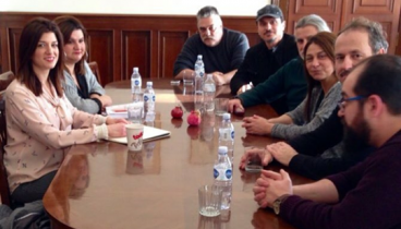 Με ηθοποιούς του ΚΘΒΕ συναντήθηκε η Κατερίνα Νοτοπούλου
