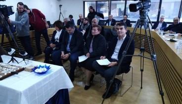 Θεσσαλονίκη: Η ΠΕΔΚΜ τίμησε μητέρα με 16 παιδιά
