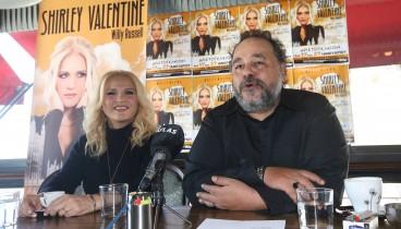 Ο σκηνοθέτης Αλέξανδρος Ρήγας και η ηθοποιός Μπέσσυ Μάλφα μιλούν για τα… μυστικά της Σίρλεϊ Βάλενταιν
