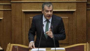 Θεοδωράκης στη Βουλή: Χειρότερη από έγκλημα η στάση Δανέλλη