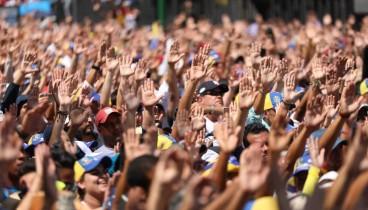 Όλοι εμμένουν στις θέσεις τους στη Βενεζουέλα