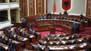 """Υπερψηφίστηκε από την αλβανική Βουλή το πρωτόκολλο ένταξης της """"Βόρειας Μακεδονίας"""" στο ΝΑΤΟ"""
