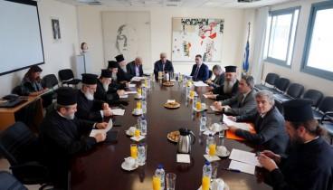 Η Ιερά Σύνοδος θα αποφασίσει για τις σχέσεις Εκκλησίας και Πολιτείας λένε τα μέλη επιτροπής