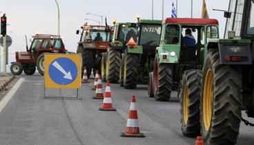 Με αναμμένες μηχανές τα τρακτέρ στα μπλόκα της Θεσσαλονίκης