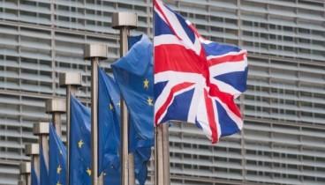 Δεύτερο δημοψήφισμα για το Brexit ζητούν τρεις υπουργοί