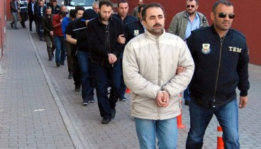 Τουλάχιστον 946 (!) συλλήψεις για διασυνδέσεις με τον Γκιουλέν στην Τουρκία