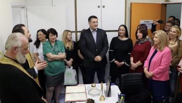 """Απ. Τζιτζικώστας: """"Δώρο ζωής και αλληλεγγύης"""" η πρώτη Τράπεζα Μητρικού Γάλακτος στη Θεσσαλονίκη"""
