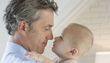 Η ηλικία του πατέρα συνδέεται με προβλήματα υγείας των παιδιών