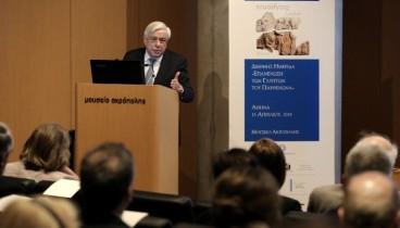 Πρ. Παυλόπουλος: Δίκαιη και επιβεβλημένη η επανένωση των γλυπτών του Παρθενώνα