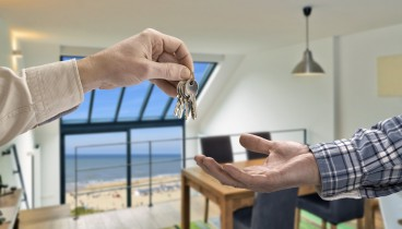 Επιχειρηματίες τουριστικών καταλυμάτων: Το airbnb απειλεί την κοινωνική συνοχή